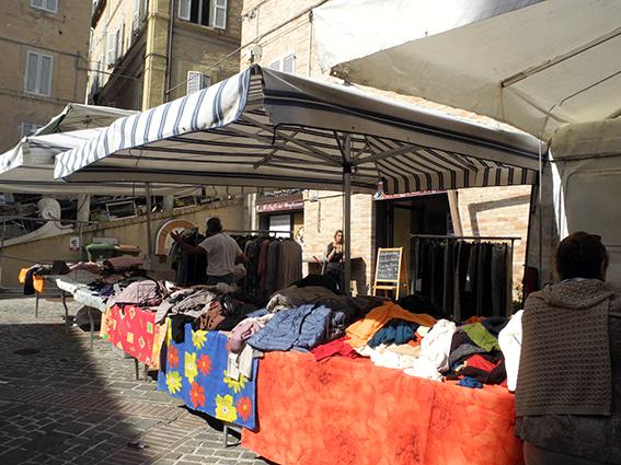 Commercianti Piazza Mazzini protesta (5)