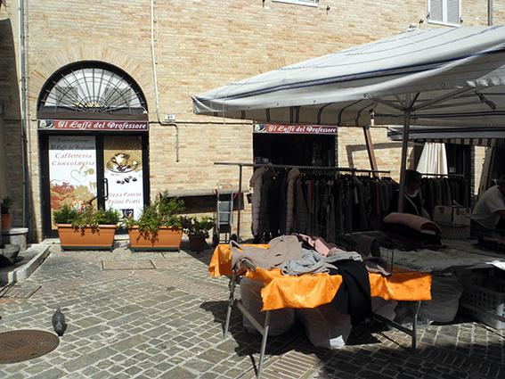 Commercianti Piazza Mazzini protesta (6)