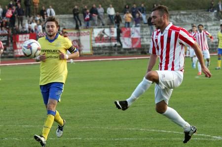 L'attaccante della Maceratese Alessandro D'Antoni