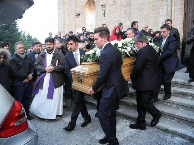 Il funerale di Tommaso Moretti, morto a 18 anni