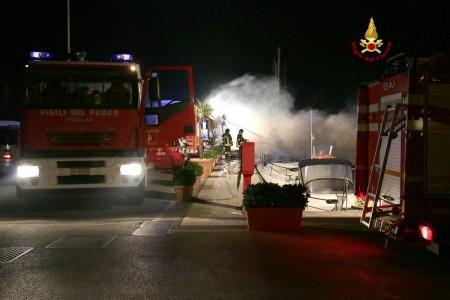 Incendio porto turistico Porto San Giorgio (2)