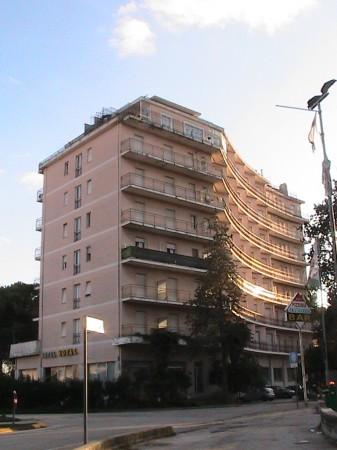 Lhotel-Royal-è-abbandonato-da-quasi-10-anni-ricovero-di-drogati-e-senzatetto.-337x450