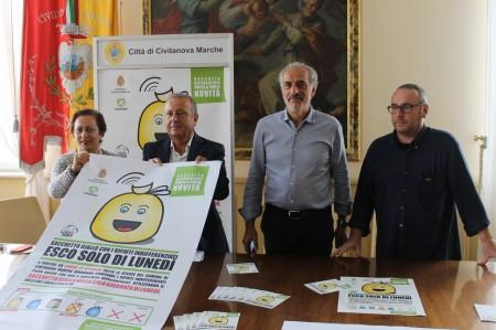 Nella foto allegata da sinistra: Maria Palazzetti, dirigente comunale; Giuseppe Giampaoli direttore Cosmari; assessore Giulio Silenzi, Stefano Capponi, capo area Sintegra