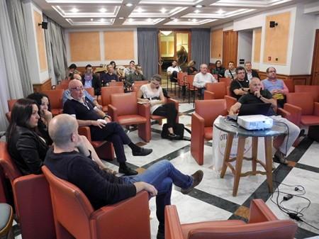 Una riunione del Movimento 5 Stelle all'hotel  Claudiani