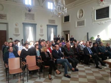il pubblico presente a Camerino durante l'incontro con il vice minitro nencini