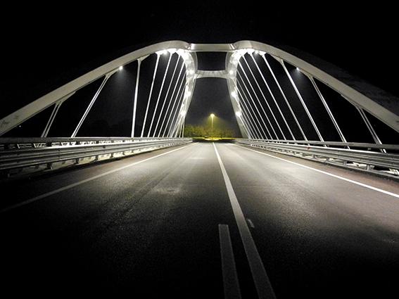 L'illuminazione del ponte