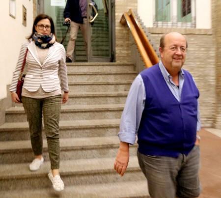 Fabio Paci , presidente della Fontescodella spa, ha consegnato la fideiussione in Comune