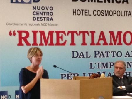 Un dossier sull'ospedale di Macerata è stato consegnato al ministro Lorenzin da Marina Santucci