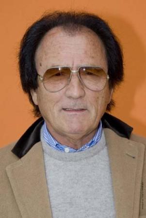 Arturo Maresca ha posseduto in proprio fino al 1986 i terreni del Burchio, e si proclama regista dell'operazione immobiliare del resort 5 stelle