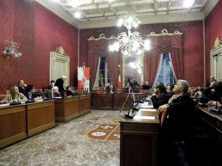 Un momento del Consiglio comunale di Macerata