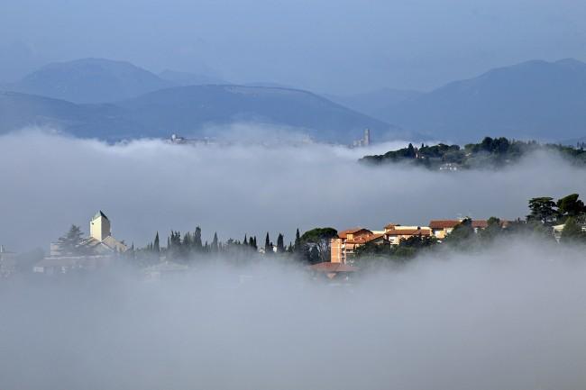 Nebbia sulla zona di San Francesco