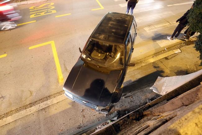 auto contro muro (1)