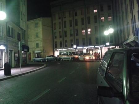 Intervento di polizia e 118 (Foto di Lucrezia Benfatto)