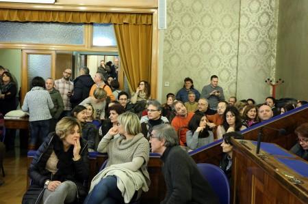 Un'assemblea dei dipendenti provinciali