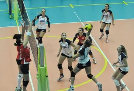 Elisa Giorgi in attacco