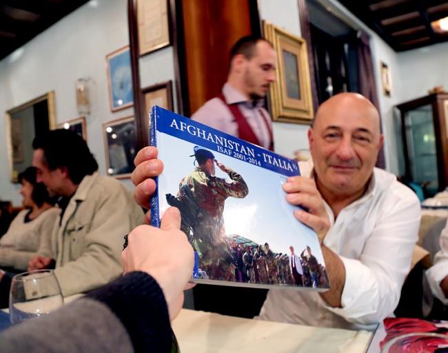 Guido Picchio con il suo libro
