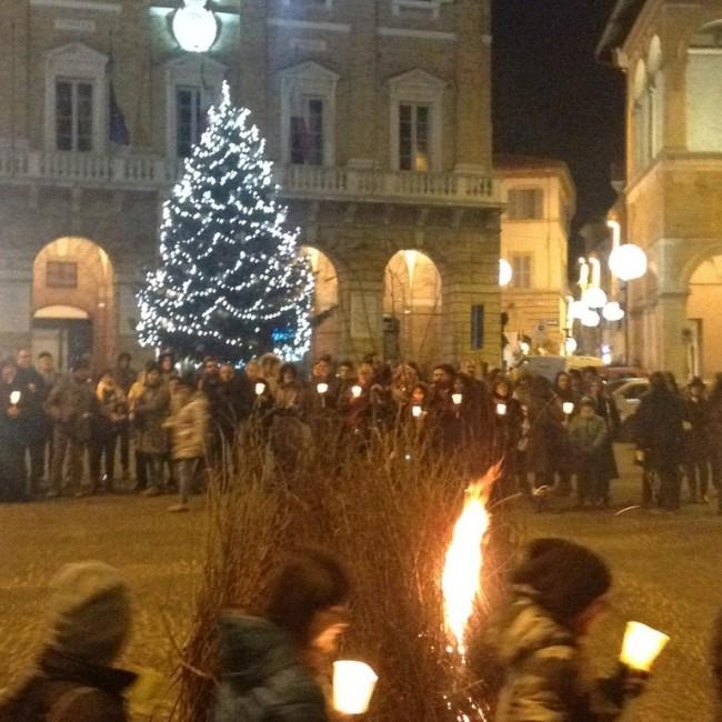 falò_piazza_macerata-4-650x650