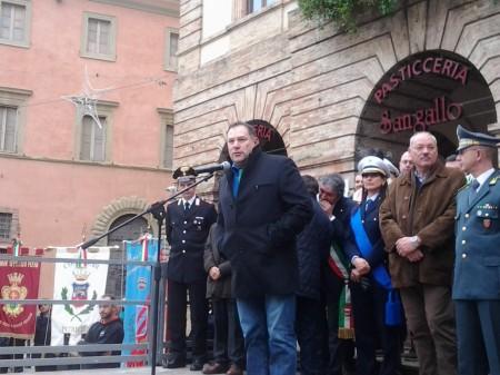 L'assessore Giovanni Gabrielli nel giorno dell'inaugurazione della nuova sede della polizia locale di Tolentino