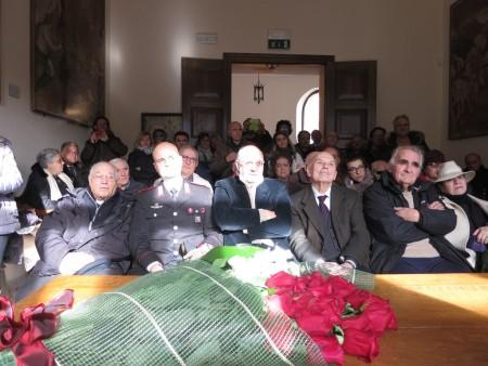 Molti i presenti alla cerimonia. Tra gli altri l'onorevole Adriano Ciaffi