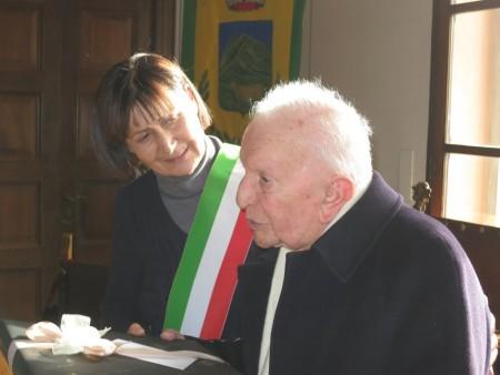 CENTENARI - I festeggiamenti per l'onorevole Rinaldi al Comune di Ussita
