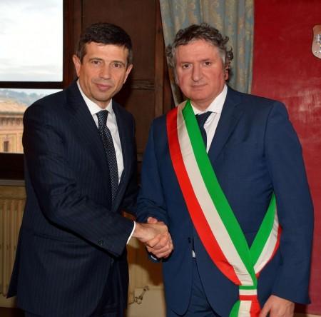 Il Ministro Maurizio Lupi e il sindaco di Tolentino Giuseppe Pezzanesi