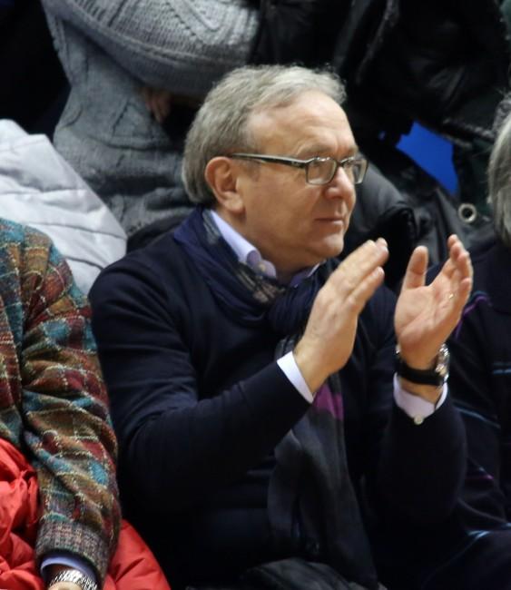 APPLAUSI - Il sindaco di Treia Franco Capponi