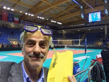 Giulio Silenzi in un selfie durante la partita di esordio della Lube al Palas
