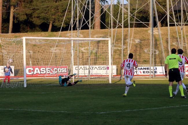 Gol D'Antoni (2)