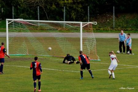 Il gol di Moretti per il 2-0