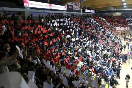 Il pubblico alla prima partita della Lube a Civitanova
