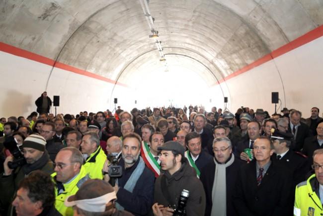 Molti i presenti all'inaugurazione di questa mattina