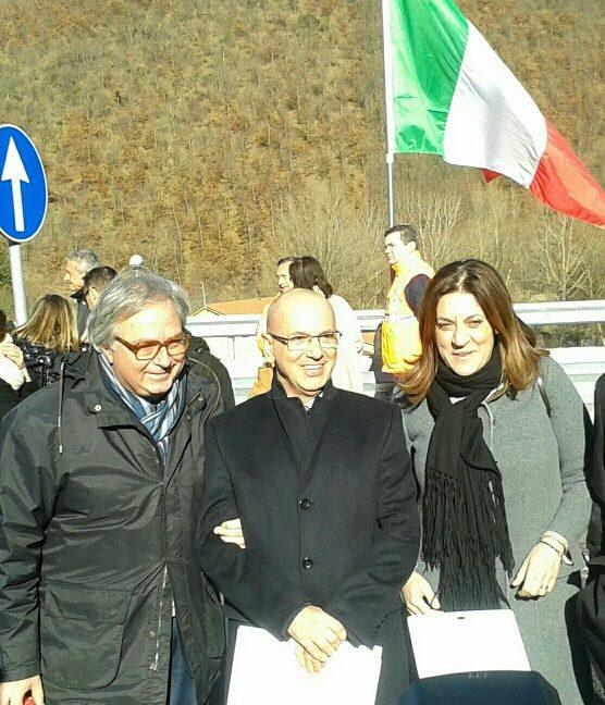 Il governatore delle Marche Spacca con il presidente della Quadrilatero Perosino e la presidente dell'Umbria Emili poco prima dell'inaugurazione di questa mattina