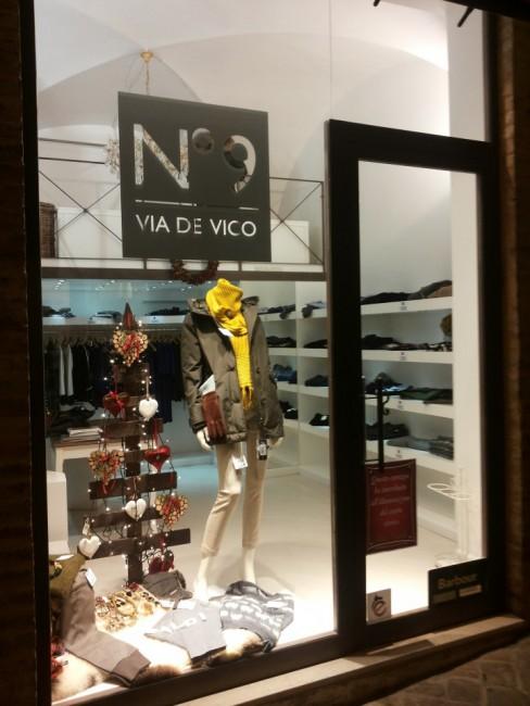 Via de Vico,buoni i saldi anche per le boutique a Maerata
