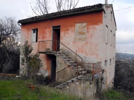 Casa abbandonata (1)