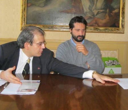 Il presidente del consiglio comunale Ivo Costamagna insieme all'assessore ai lavori pubblico Marco Poeta