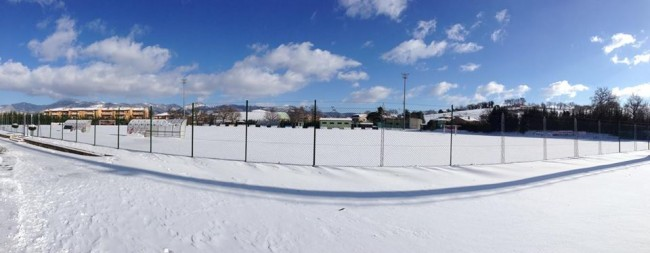 Neve campo sportivo