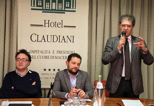 Massimiliano Bianchini, Paolo Angeletti e Bruno Mandrelli durante l'assemblea al Claudiani