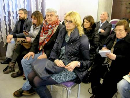 In prima fila la parlamentare del Pd Irene Manzi