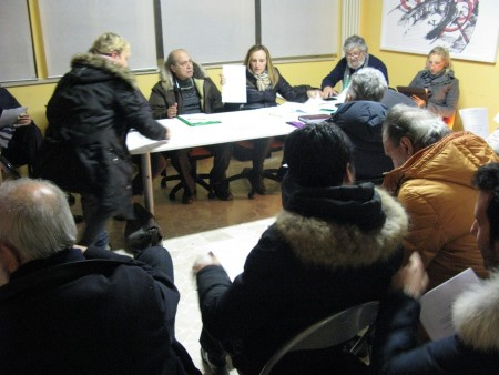 Il comitato elettorale pro Pantana in una riunione per la bozza di programma