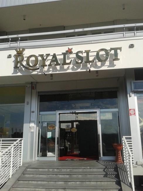 La RoyalSlot di via Martiri di Belfiore