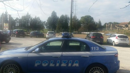 La polizia al campo da rugby di Villa Potenza dopo l'accaduto