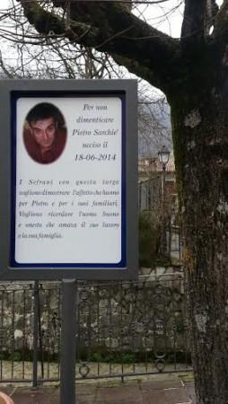 La targa in memoria di Pietro Sarchiè