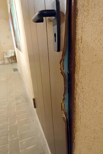 La porta forzata