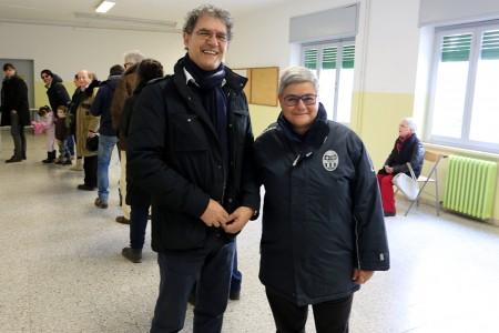 Bruno Mandrelli al seggio con Maria Francesca Tardella, presidente della Maceratese