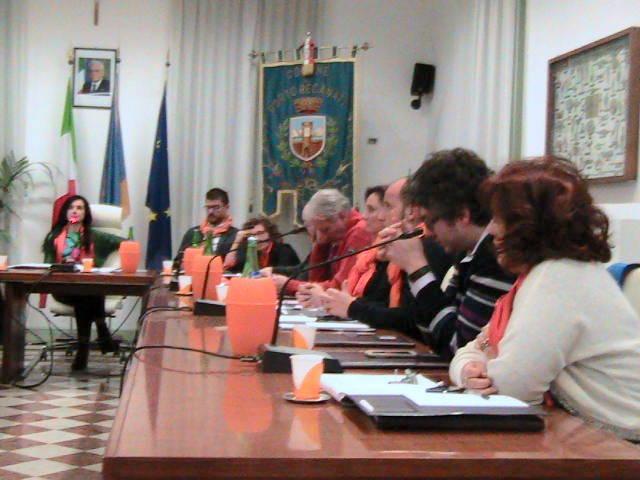 Sciarpa arancione per il sindaco e diversi consiglieri Npp