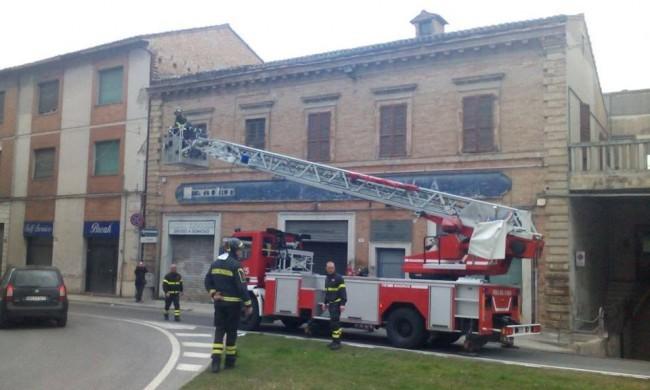 Vigili del fuoco Macerata, intervento via Trento 2