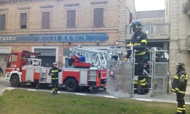 Vigili del fuoco Macerata, intervento via Trento