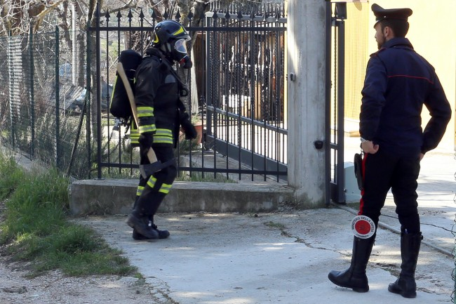 Vigili del fuoco incendio contrada santo stefano macerata (11)
