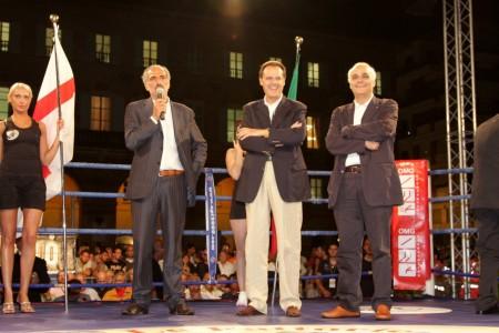La foto inviata da Giovanni Corallini relativa alla presenza di Giulio Silenzi nel 2008 all'evento sulla boxe