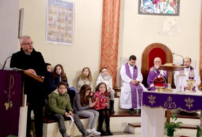 Il sindaco Romano Carancini ha portato al parroco il saluto della cittadinanza
